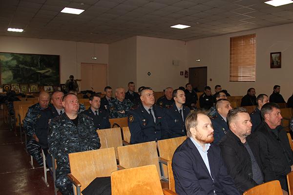 По традиции, в одном из исправительных учреждений собираются руководство УФСИН и подчиненных учреждений, священнослужители Русской Православной Церкви, представители общественности, члены православных общин исправительных учреждений.